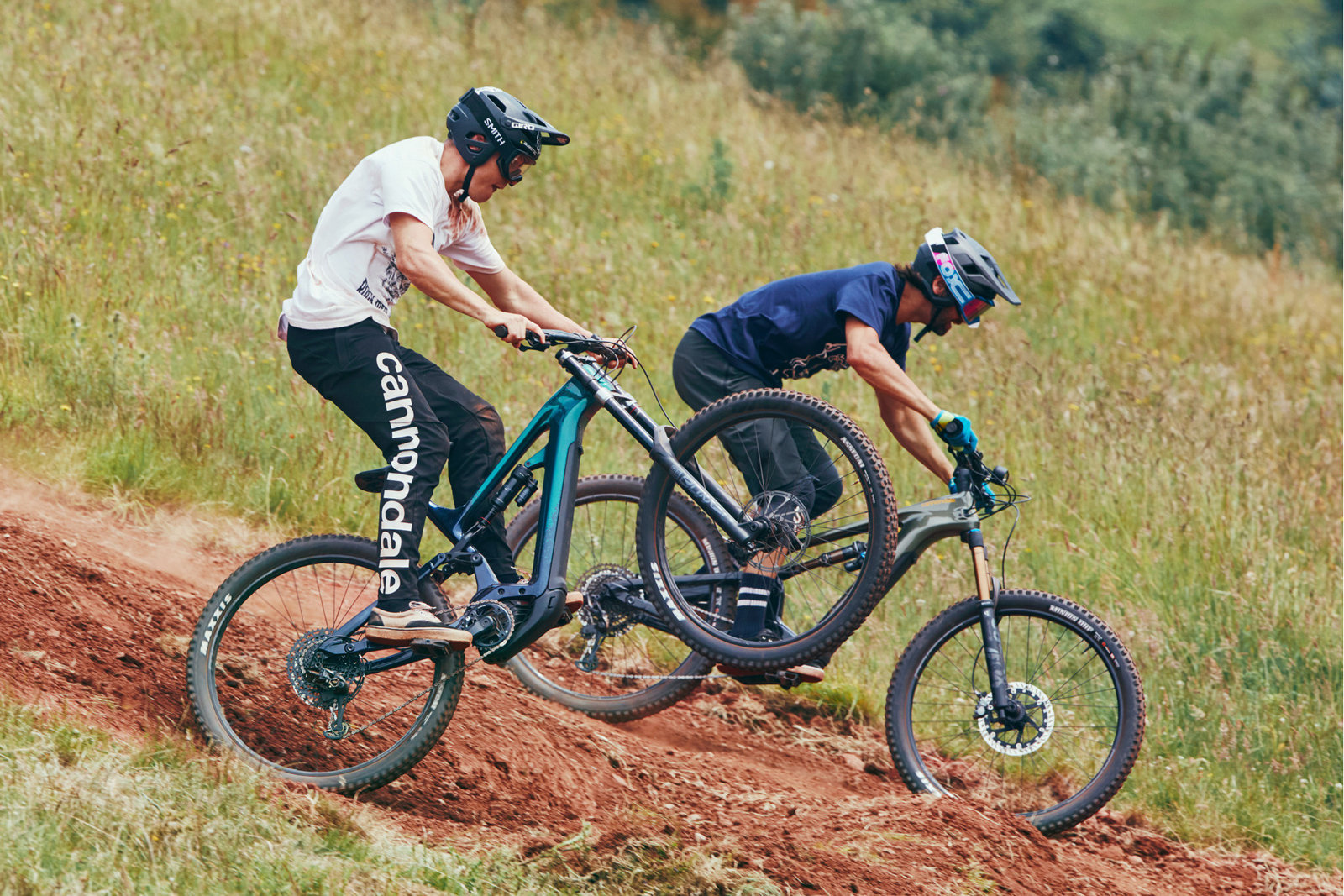 trek-vs-specialized-mountain-bikes